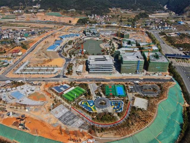 施工中的体育运动公园和项目全景